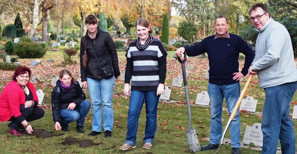 Projekt: Tulpenplanzung auf dem Ehrengrabfeld des friedhofs!
