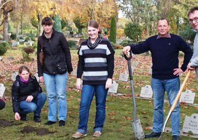 Projekt Ehrengrabfeld verschönern